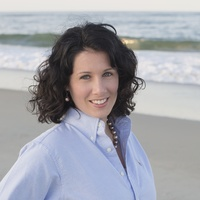 Marie Holland online counseling and therapist